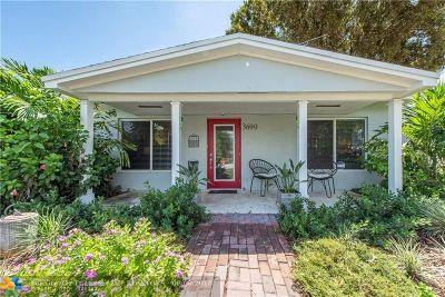Oakland Park Single Family Home For Sale: 3690 NE 16th Ave