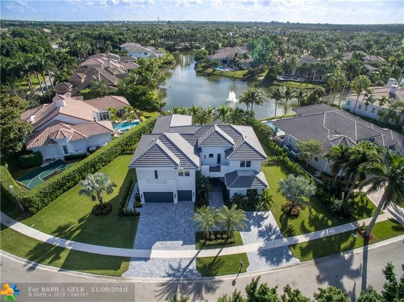6 bed / 7 full, 1 partial baths Home in Plantation for $2,179,000