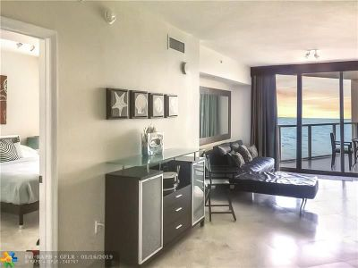 Sunny Isles Beach Condo/Townhouse For Sale: 16699 Collins Ave #1605