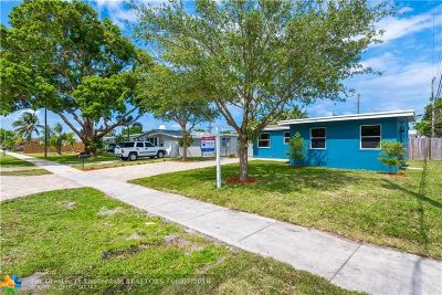 Oakland Park Single Family Home For Sale: 5650 NE 7th Ave