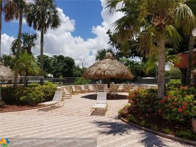 Margate Condo/Townhouse For Sale: 3060 Holiday Springs Blvd #312