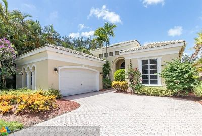 Delray Beach Single Family Home For Sale: 6421 Via Venetia