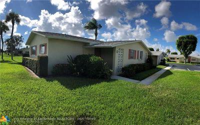 West Palm Beach Condo/Townhouse For Sale: 2940 Ashley Drive #D