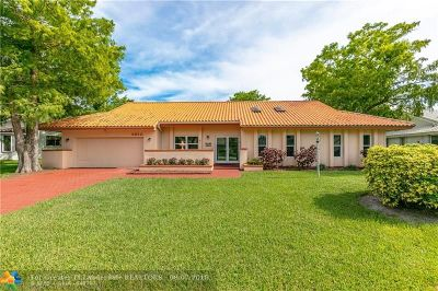 Tamarac Single Family Home For Sale: 8620 Banyan Ct