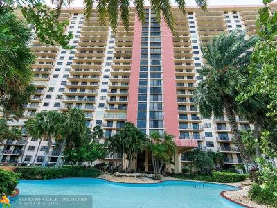 Sunny Isles Beach Condo/Townhouse For Sale: 210 174th St #503
