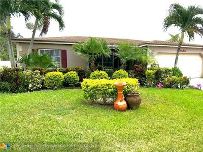 Boca Raton Single Family Home For Sale: 10635 Ermine Ave