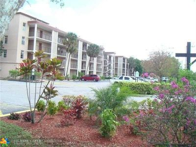 Lauderdale Lakes Condo/Townhouse For Sale: 2650 NW 49th Ave #323