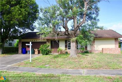 Deerfield Beach Single Family Home For Sale: 1457 SW 26th Ave