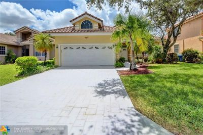 Coral Springs Single Family Home For Sale: 11810 Highland Pl