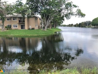 Pembroke Pines Condo/Townhouse For Sale: 1701 NW 96th Ter #1A