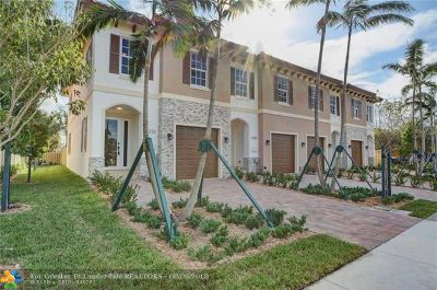 Pompano Beach Condo/Townhouse For Sale: 3230 Marine Dr #3230