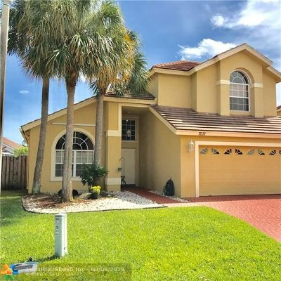 Lake Worth Single Family Home For Sale: 7671 Trenton Dr