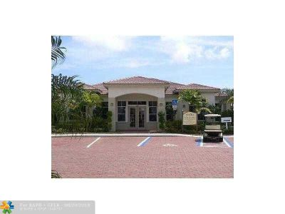 West Palm Beach Condo/Townhouse For Sale: 521 Green Springs Pl #521