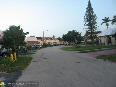 North Lauderdale Condo/Townhouse For Sale