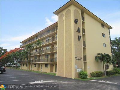 Pompano Beach FL Condo/Townhouse For Sale: $129,000
