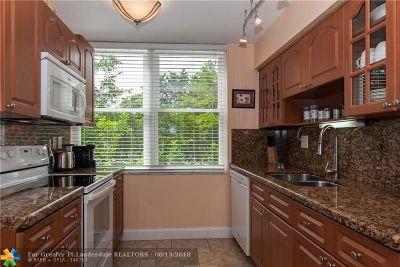 Lauderhill Condo/Townhouse For Sale: 3651 Environ Blvd #363