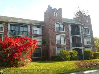 Lauderhill Condo/Townhouse For Sale: 3760 Inverrary Dr #3Y