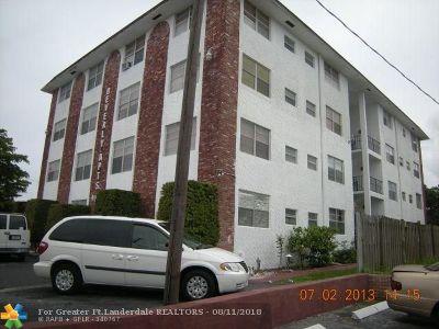 Pompano Beach FL Condo/Townhouse For Sale: $115,000