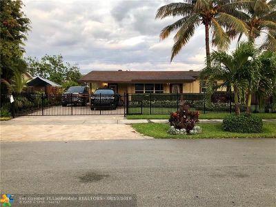Pompano Beach Single Family Home For Sale: 2930 NE 7th Ter