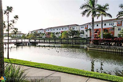 Pompano Beach FL Condo/Townhouse For Sale: $310,000
