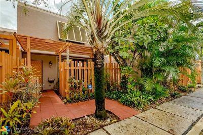 Pembroke Pines Condo/Townhouse Backup Contract-Call LA: 11318 NW 16th St #11318