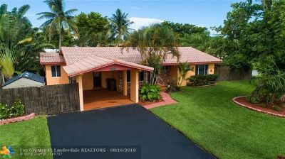 Deerfield Beach Single Family Home For Sale: 1422 SE 1st Way