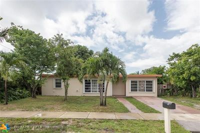 Pompano Beach Single Family Home For Sale: 1710 NE 44th St