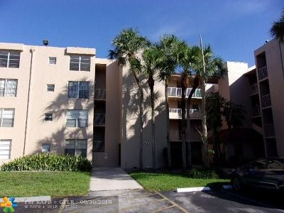 Davie Condo/Townhouse For Sale: 9470 Live Oak Pl #103