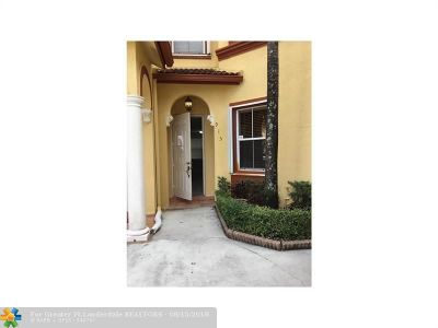 Doral Condo/Townhouse For Sale: 5570 NW 107th Ave #915