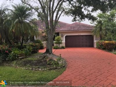 Coral Springs Single Family Home For Sale: 12500 Classic Dr