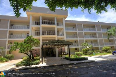 Pompano Beach Condo/Townhouse For Sale: 2601 South Course Dr #208