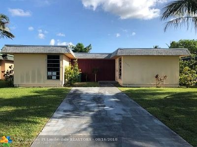 Tamarac Single Family Home For Sale: 7104 NW 63rd St