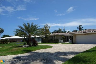 Pompano Beach Single Family Home For Sale: 2642 NE 8th St