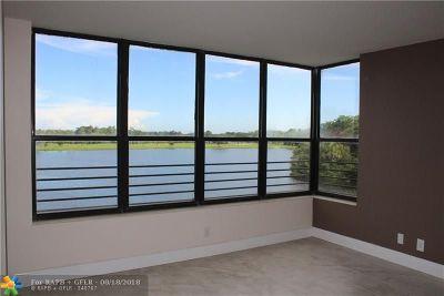Coconut Creek Condo/Townhouse For Sale: 2907 S Carambola Cir S #302
