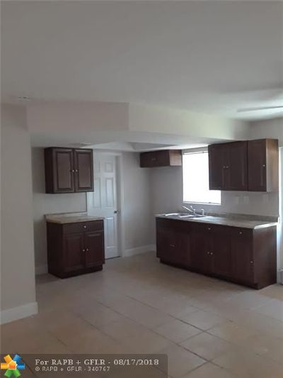 Pompano Beach Single Family Home For Sale: 2181 NW 10th Ct