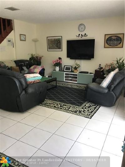 Plantation Condo/Townhouse For Sale: 863 NW 81st Ter #5