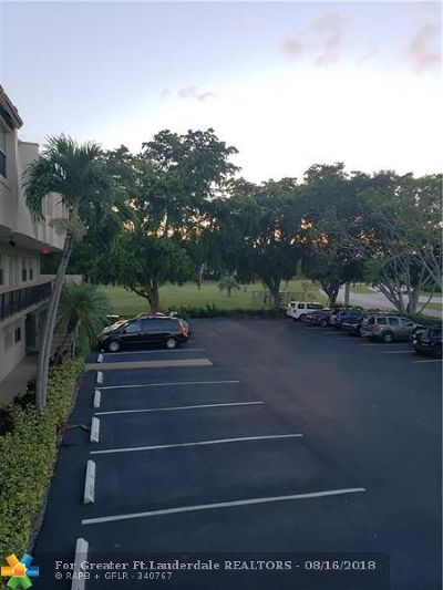 Boca Raton Condo/Townhouse For Sale: 9500 SW 3rd St #A216