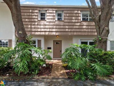 Pompano Beach FL Condo/Townhouse For Sale: $259,000