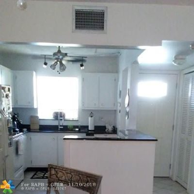 Broward County , Palm Beach County Condo/Townhouse For Sale: 750 SE 6th Ave #124