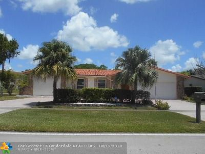 Sunrise Single Family Home For Sale: 2950 NW 105th Ln