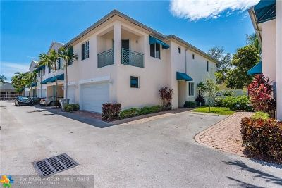 Pompano Beach Condo/Townhouse For Sale: 720 SE 2nd St #720
