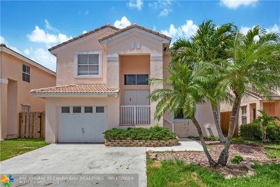 Margate Single Family Home For Sale: 3067 Martello Dr