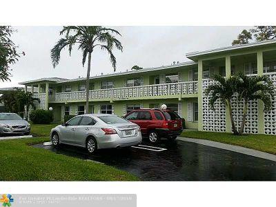 Broward County , Palm Beach County Condo/Townhouse For Sale: 1140 Mahogany Way #201