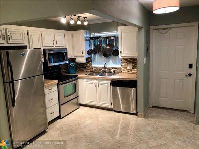 Broward County , Palm Beach County Condo/Townhouse For Sale: 809 W Oakland Park Blvd #K2