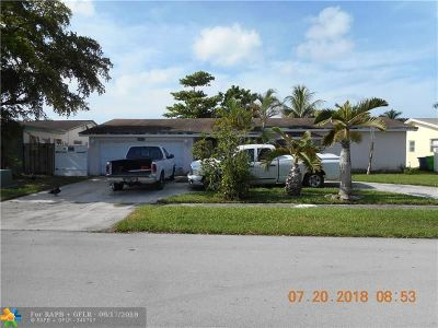 Sunrise Single Family Home For Sale: 9494 NW 19th Pl