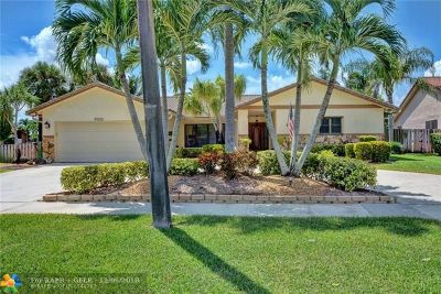 Plantation Single Family Home For Sale: 9900 NW 11th St