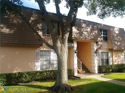 Plantation Condo/Townhouse For Sale: 330 NW 69th Ave #192