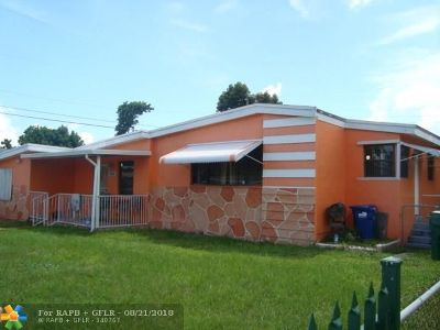 Miami Single Family Home For Sale: 18100 NW 6th Ave