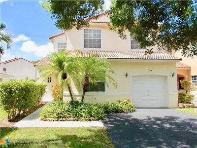 Pembroke Pines Single Family Home For Sale: 17944 SW 10th Ct