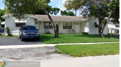 Lauderhill Multi Family Home For Sale: 5321 NW 16th Ct